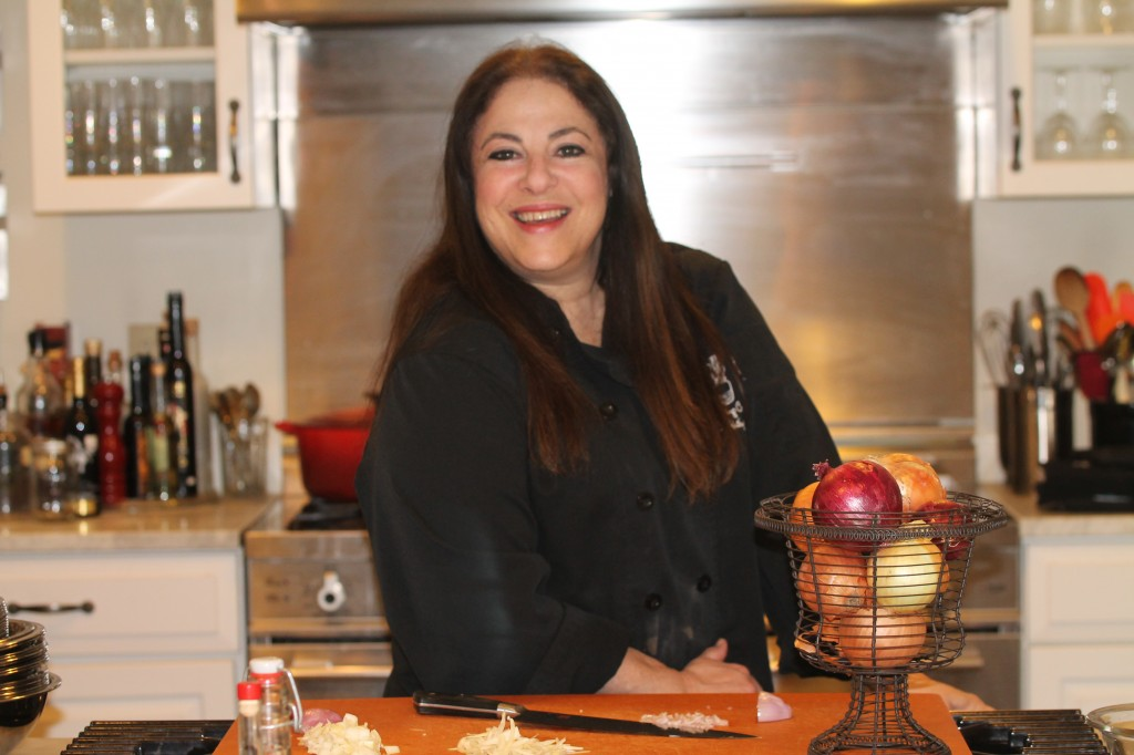 'In The Kitchen' with Kathy Gold, How to Chop and Slice an Onion