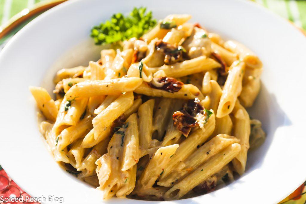 """""""Cicciotti's Kitchen"""" Sun-Dried Tomato & Gorgonzola Pasta"""