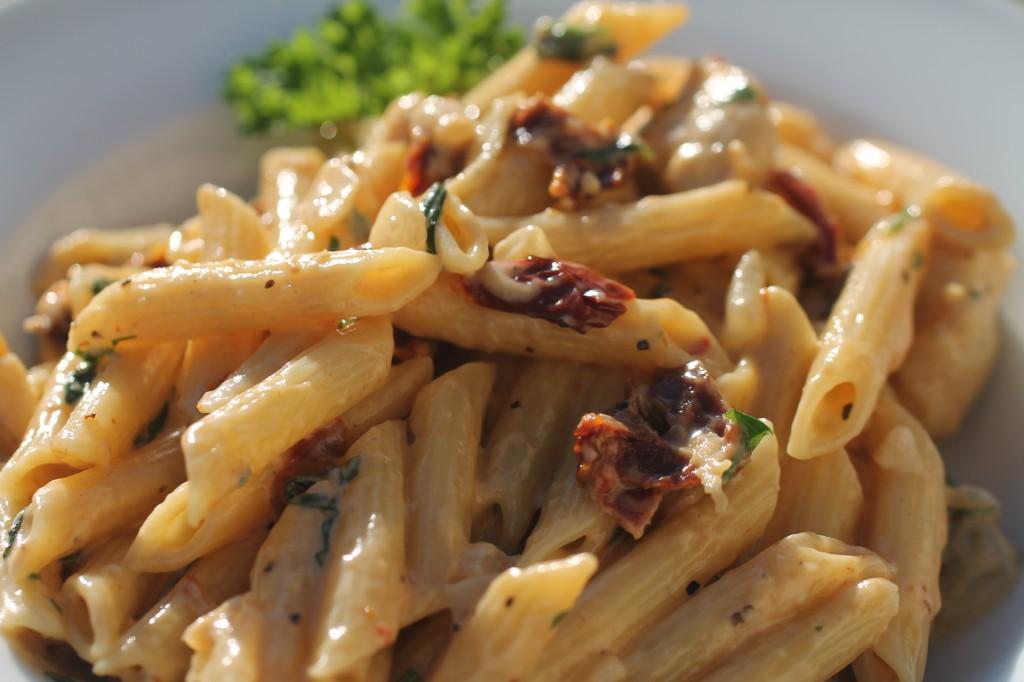Farfalle With Gorgonzola Sun-Dried Tomato Sauce Recipes ...
