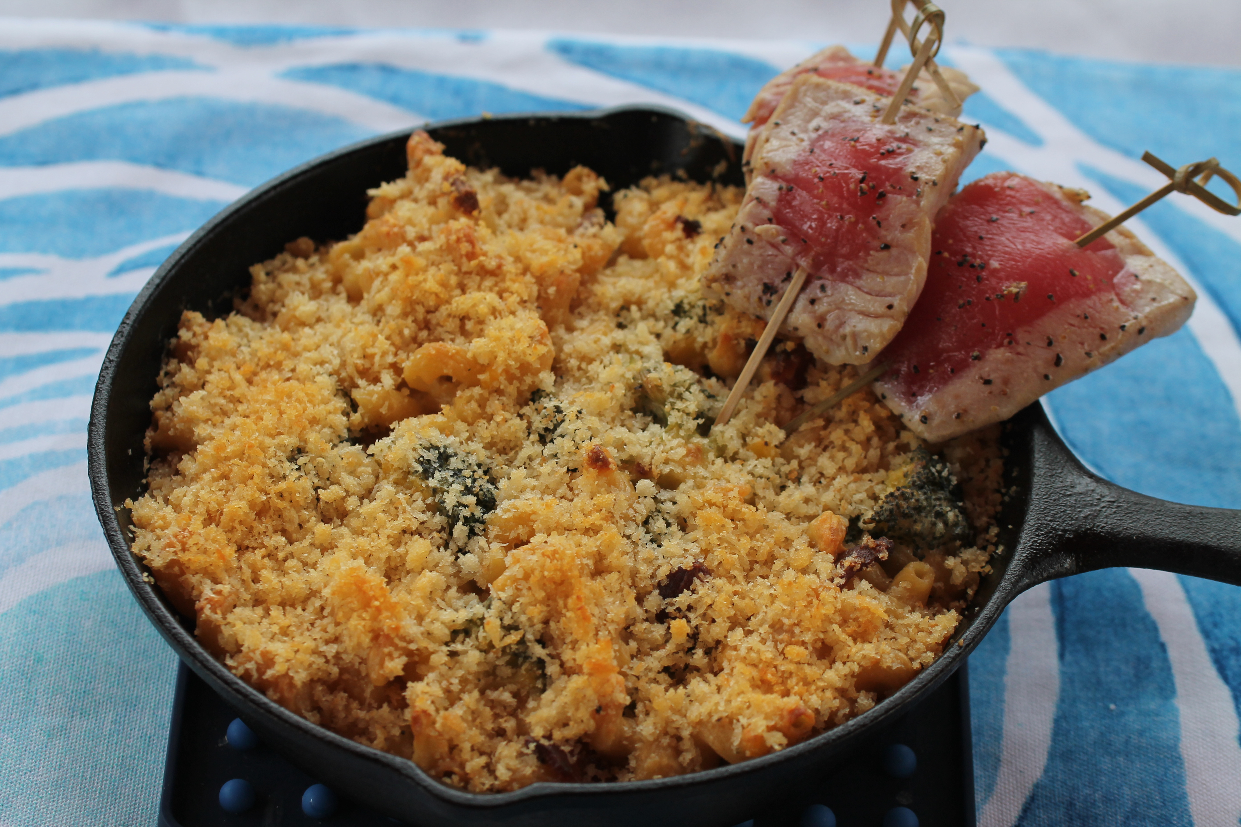 Mac and Cheese with Tuna Lollipops