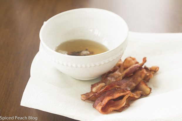 cooked bacon and bowl of bacon grease